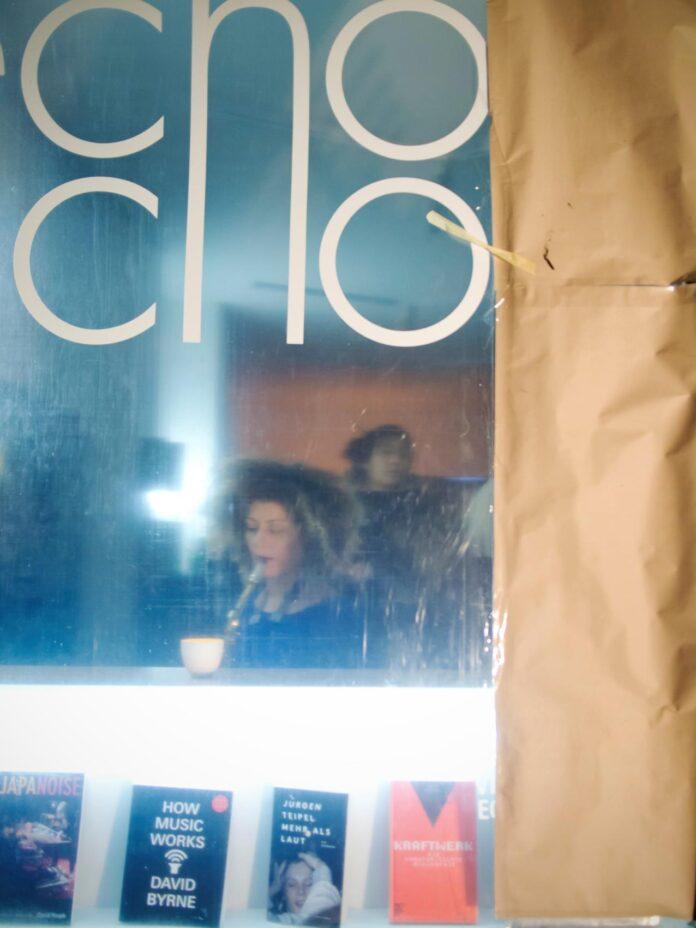 Echo Echo shop window