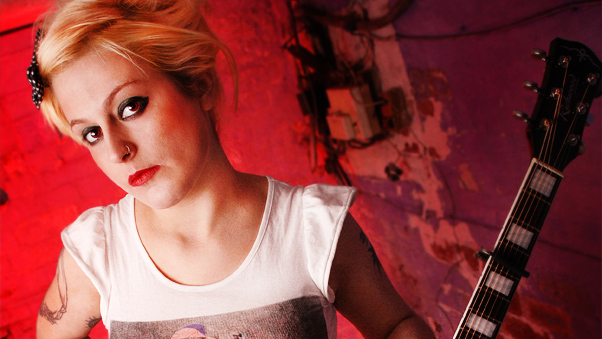 Louise Distras, acoustic punk, so good we are featuring her again!