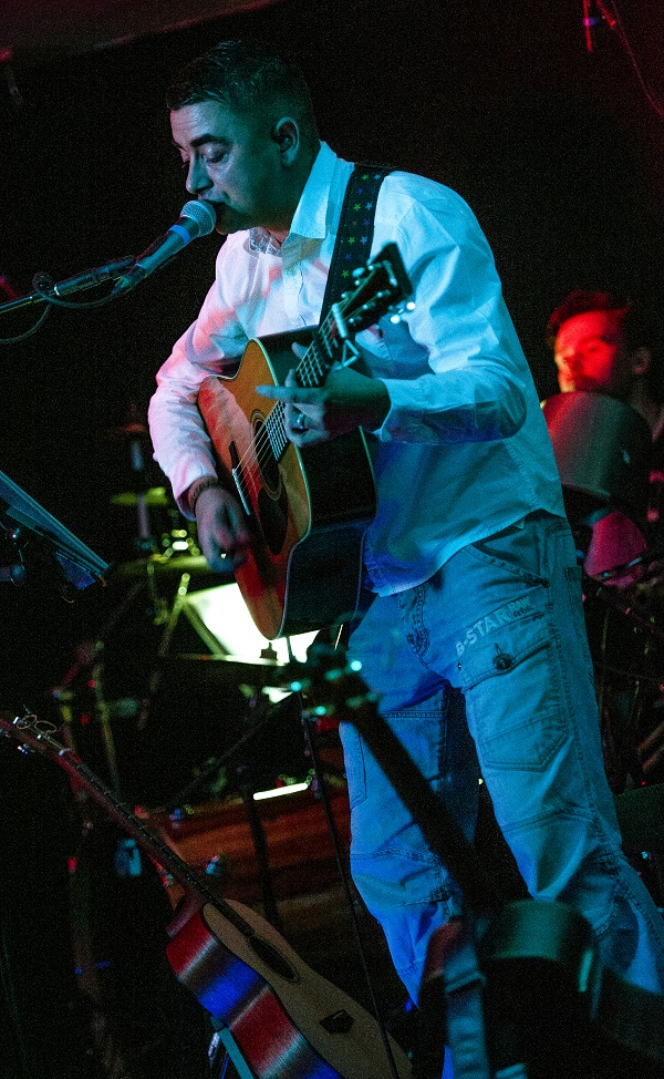 Damien O'Kane: Irish Club, Chorlton - live review chorlton 11.11.15 6