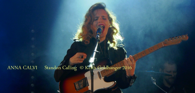 ANNA CALVI STANDON CALLING - BY KEITH GOLDHANGER 2016 (6)