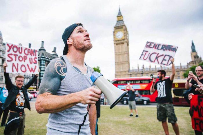 Protest14-DerekBremner
