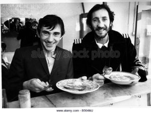 the-who-pop-guitarist-pete-townshend-eating-1978-lunch-with-british-b504mj