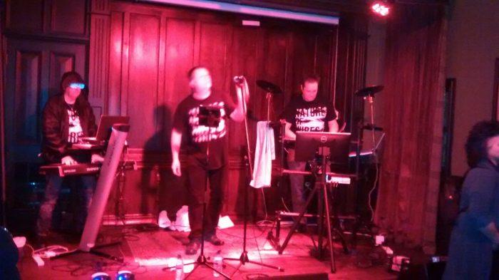 AnalogueTrash Live