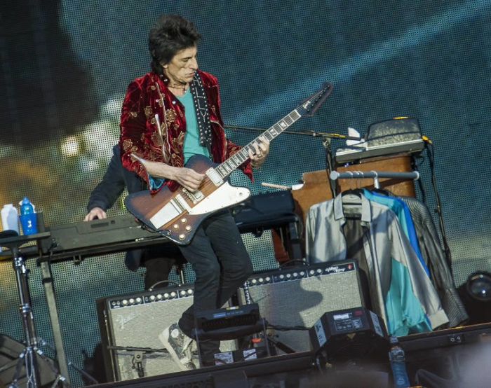 Ronnie Wood - Old Trafford - Mike Ainscoe 2
