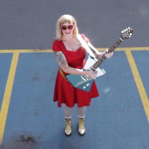 She Makes War - Laura Kidd