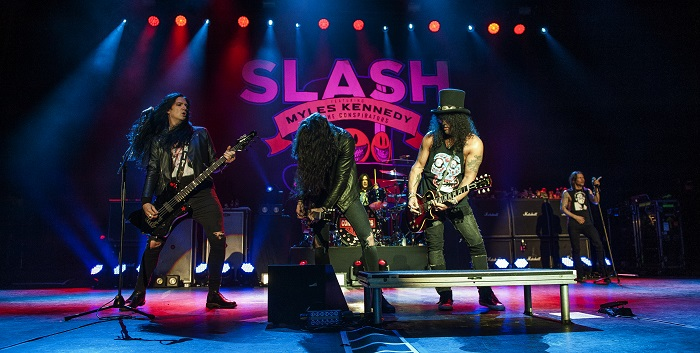 slash manchester apollo 16.2.19 3
