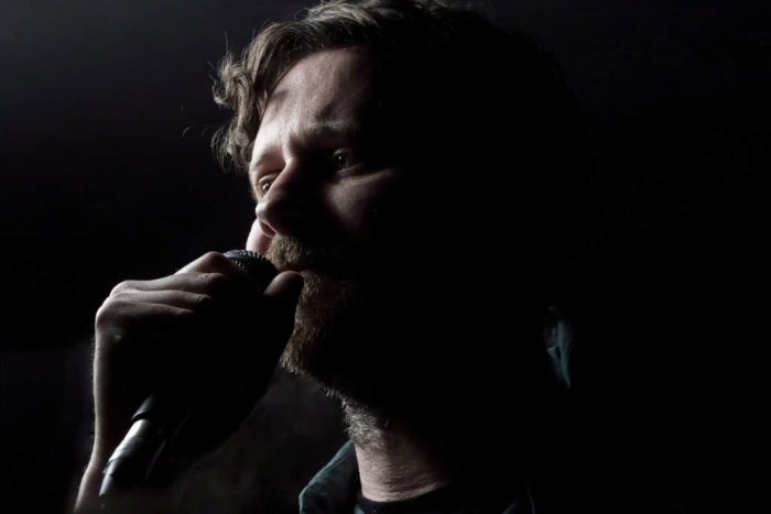 Dan Mangan, YES, Manchester, Close up