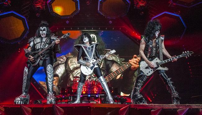 Kiss: Manchester - Mike Ainscoe© 12.7.19 24