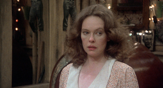 Sandy Dennis as Mona