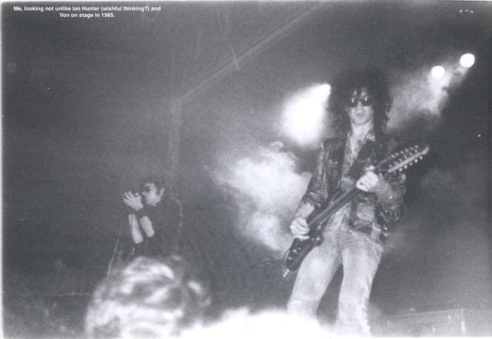 Wayne Hussey & Andrew Eldritch in action 1985