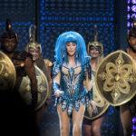 Cher with gladiators © Melanie Smith