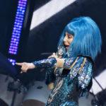 Cher points © Melanie Smith