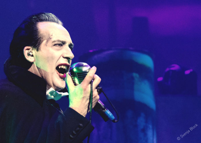 The Damned 'A Night Of A Thousand Vampires' 12