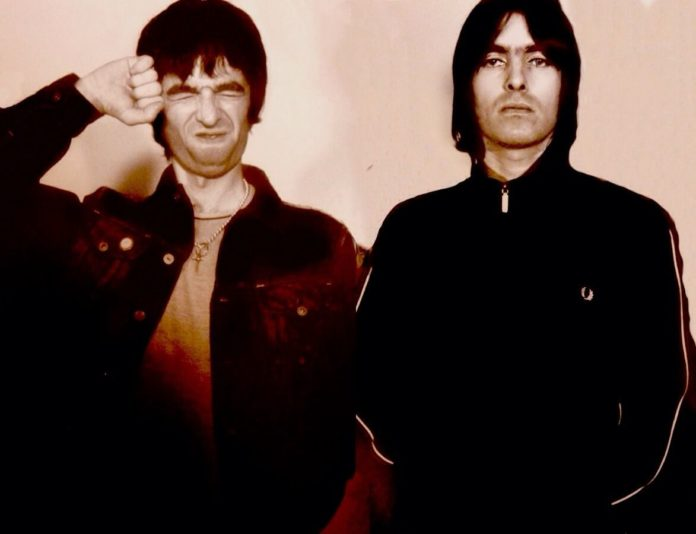 Noel and Liam Gallagher of Oasis, early 2000