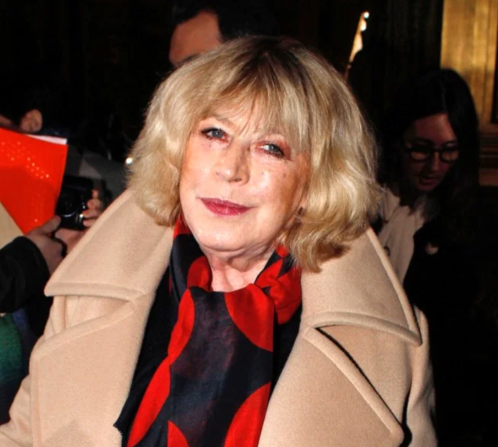 Marianne Faithfull beats the virus : sixties icon out of hospital