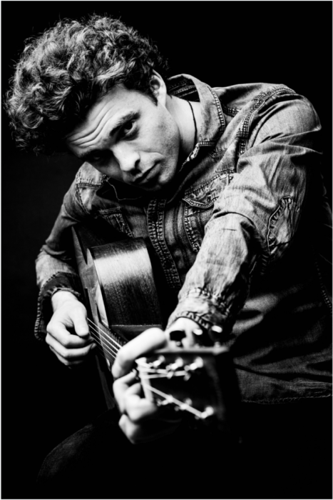 Conor Molloy : Manchester based folk pop soaked in prime time Dylan/Cat Stevens