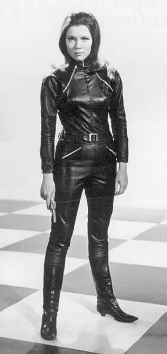 Diana Rigg RIP : an appreciation of Emma Peel a pop culture icon