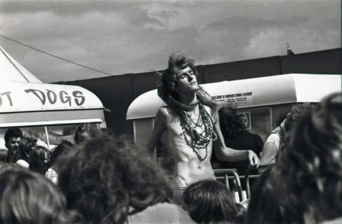 Jesus RIP : legendary hippie 'idiot dancer' dies