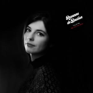 Roxanne de Bastion: Molecules – single review and interview
