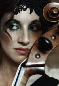 new artist of the day : Laura Moody : stunningly original singer and cello player