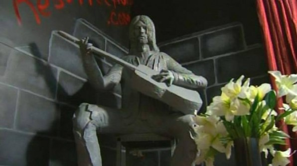 Kurt Cobain's Hometown Unveils Controversial Statue To The Legend