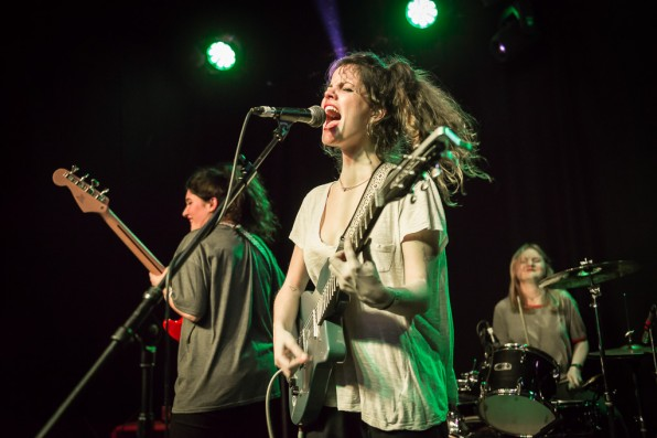 Hinds (FKA Deers): Boston Arms, London – live photo review