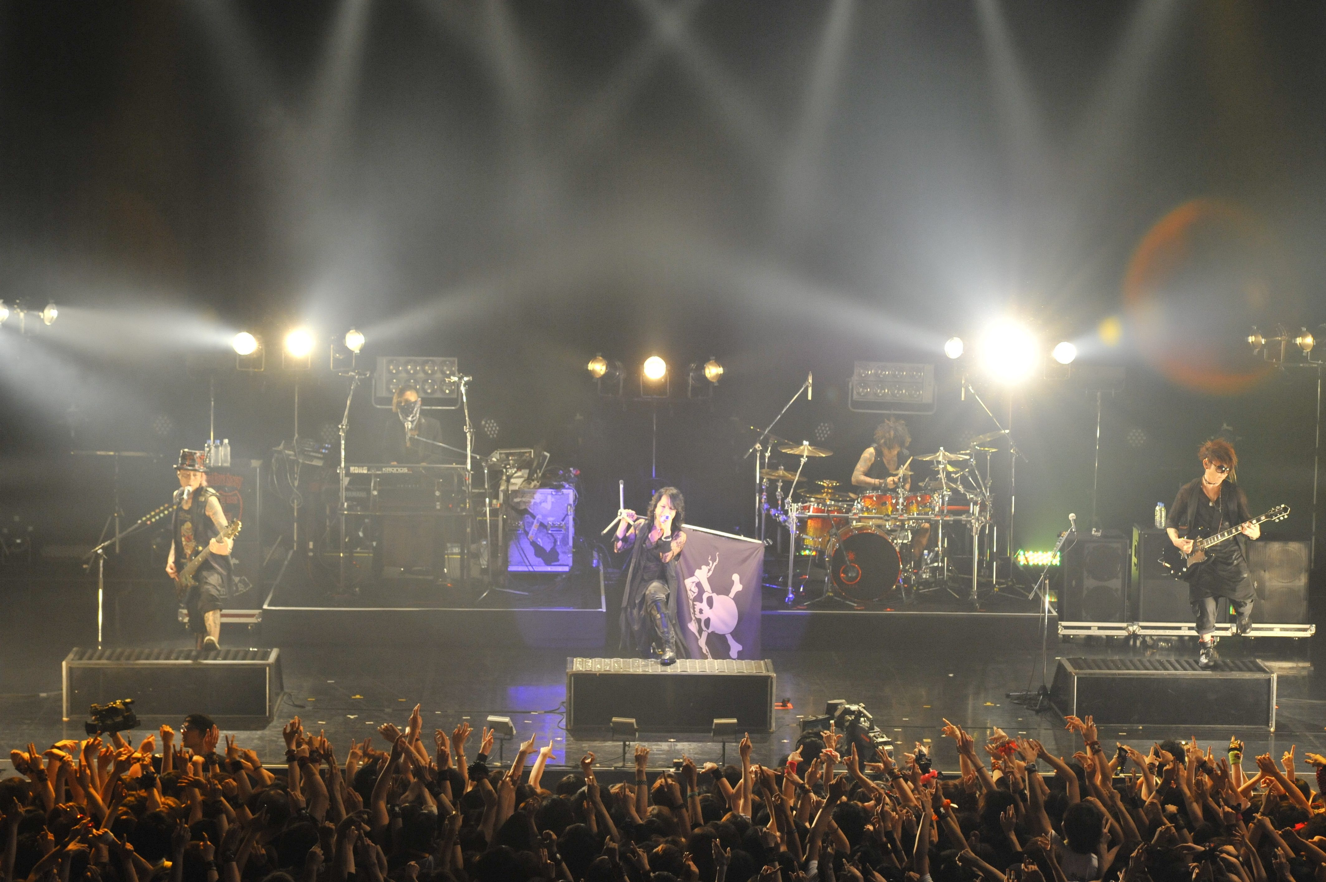 Vamps : Tokyo : live review 'Japanese glam rock n roll with a twisted dark side- huge in their home country'