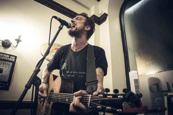 An Interview with Frank Turner (in Barnsley!!)