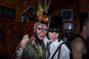 How To (Still) Survive As A Small Venue – Joint Review Of TV Smith And Sigue Sigue Sputnik At Foremans Bar, Nottingham