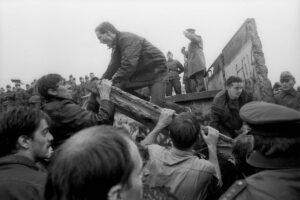 25 years since the fall of the Berlin Wall : John Robb was there pulling it down with his bare hands : a blog